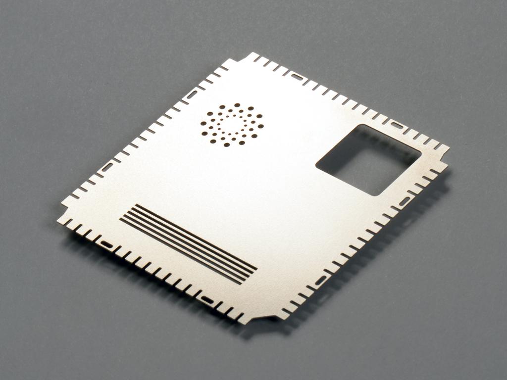 <h1>Laserskæring</h1><p>EMC emne i Nysølv.<br />Materiale tykkelse 0.20 mm.</p>