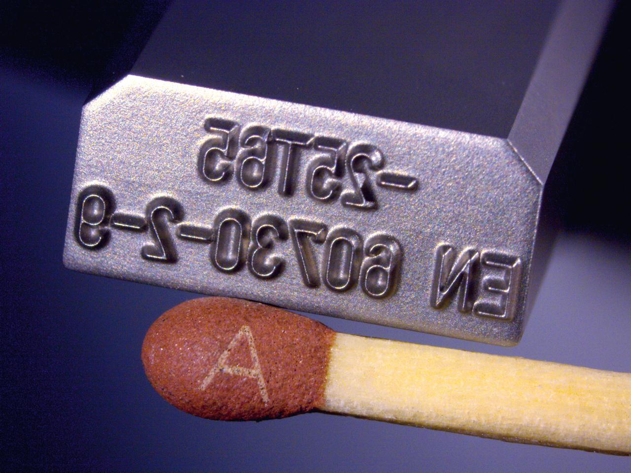 <h1>Prægestempel</h1><p>0,35 mm. dyb.<br /></p>